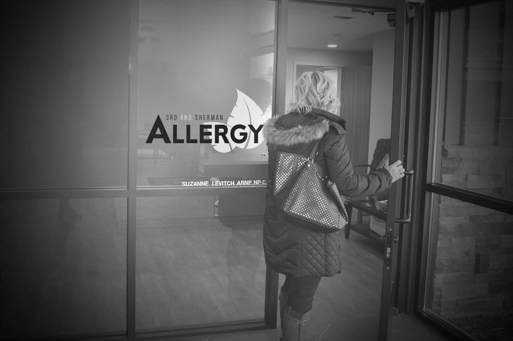 A patient enters 3rd and Sherman Allergy in Spokane, WA